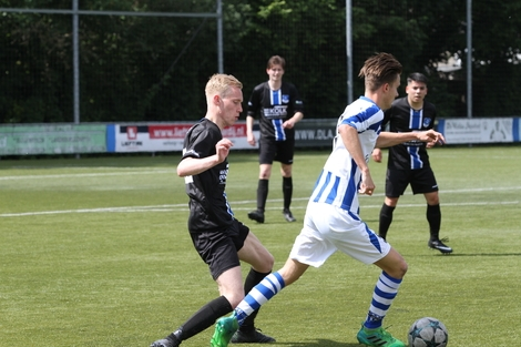 wvf voetbal westenholte 13 77